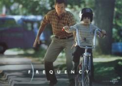 Радиоволна / Frequency (Деннис Куэйд, Джеймс Кэвизел, 2000)  9c2622513335455