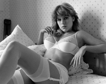 Samantha Fox: Young & Sexy In Lingerie: B&W HQ x 2