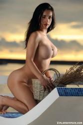 http://thumbnails115.imagebam.com/51435/4f5fd9514345780.jpg