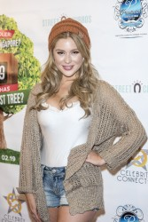 Renee Olstead -         Celebrity Connected 2016 Luxury Gifting Suite Honoring The American Music Awards Hollywood November 19th 2016.