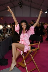 Adriana Lima - 2016 Victoria's Secret Fashion Show in Paris 11/30/16