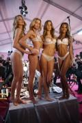 Martha Hunt - Stella Maxwell - Josephine Skriver - Jasmine Tookes -  Victoria's Secret Fashion Show Runway Paris November 30th 2016.